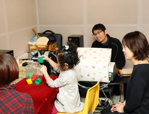 インサートイヤホンを使用した乳幼児聴力測定